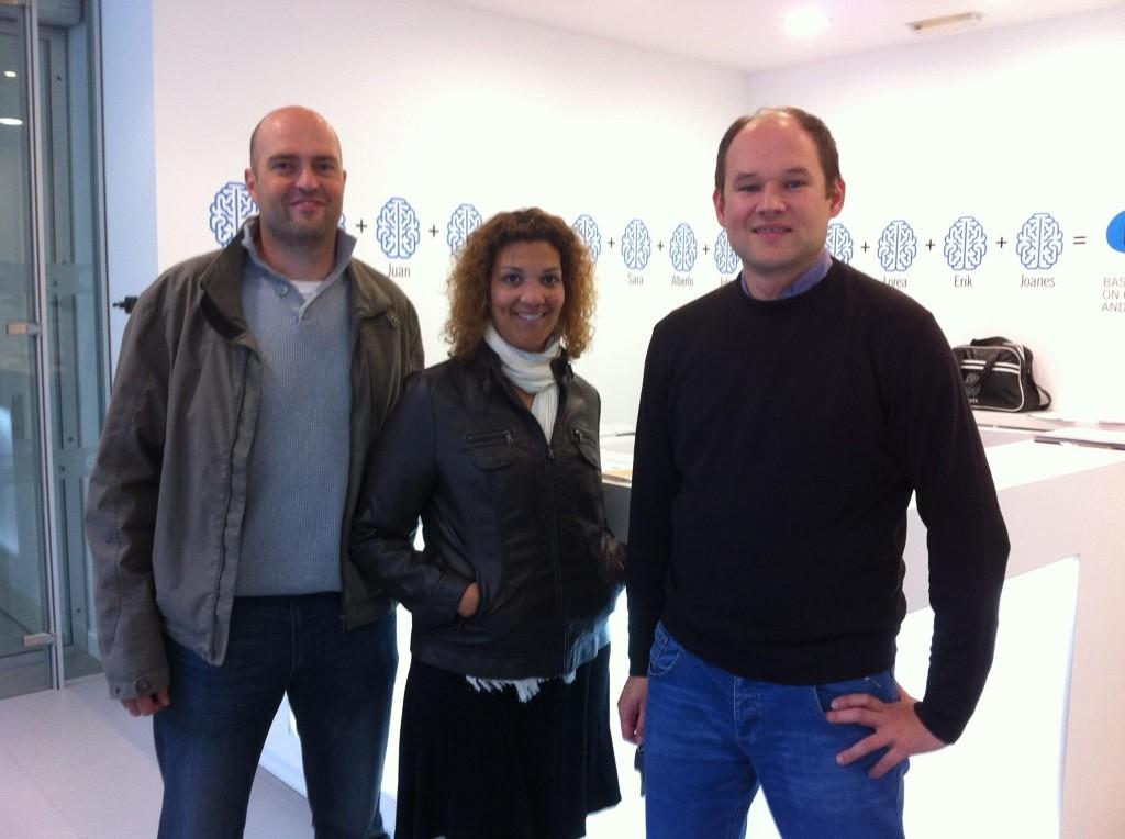 Ricard, Alicia y Pawel durante la visita al BCBL.